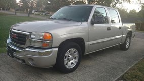 2006 GMC Sierra Crew Cab in Fort Campbell, Kentucky