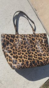 Chico's leopard print tote in Cleveland, Texas