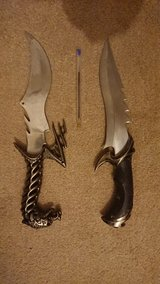 2 collector's knifes in Lakenheath, UK