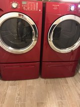 Washer/Dryer with Pedestals in Fort Campbell, Kentucky