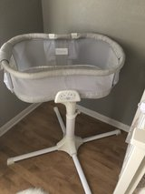 HALO Bassinest Swivel Sleeper, Luxe Plus Series W/newborn insert in Fort Hood, Texas
