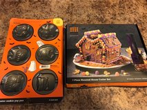 Monster Cookie Pan & Haunted House Cookie Kit in Batavia, Illinois
