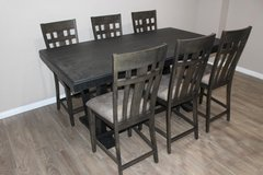 Holland House Furniture Counter Table NEW! NEW! 6 Chairs FREE DELIVERY in CyFair, Texas