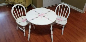 Vintage Kids Table and Windsor Chairs in Warner Robins, Georgia