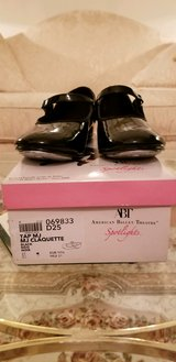 Great Unscuffed Condition Girls Tap Dance Shoes Size 1 in Yorkville, Illinois