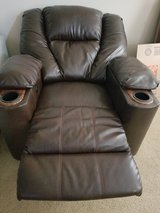 Electric Reclining Chair in Fort Bragg, North Carolina