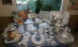 Wilton Cake Pan Collection 70's - 90's in Cleveland, Texas