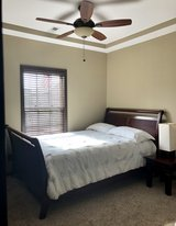 ROOMS TO GO Queen Bedroom Set in Fort Campbell, Kentucky