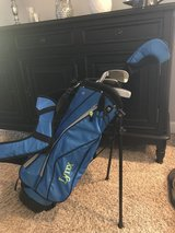 Youth Golf Club Set (4 clubs & bag) Right handed in Naperville, Illinois