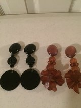 Earrings black/coral (clip on) price each in Eglin AFB, Florida