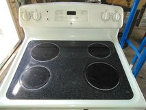 GE FLAT TOP ELECTRIC STOVE in Fort Polk, Louisiana