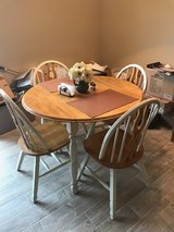 Kitchen table with 4 chairs in Fort Campbell, Kentucky
