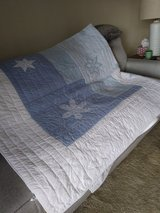 Eddie Bauer Quilt - King Size - Winter Theme Snowflakes in St. Charles, Illinois