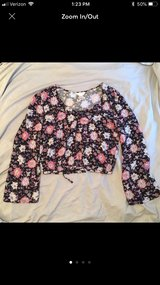 Floral shirt size medium in Wilmington, North Carolina
