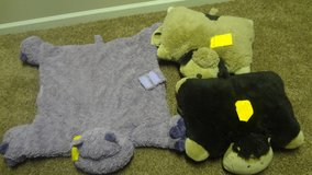 Pillow pets in Naperville, Illinois