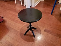 Black Wooden Pedestal Table! in Warner Robins, Georgia