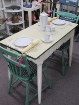 Vintage Small Porcelain Top Table With 2 Chairs in Camp Lejeune, North Carolina