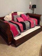 Trundle Bed w. Matching Pieces in Warner Robins, Georgia
