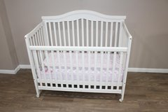 baby crib- white- wood in Spring, Texas
