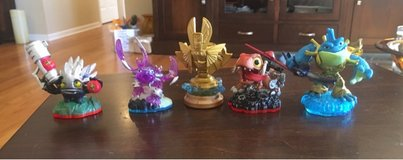 4 Skylanders Figures in Bolingbrook, Illinois