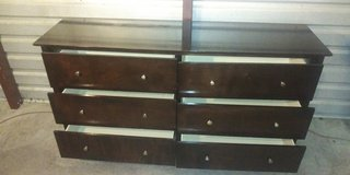 Solid wood 6 drawers dresser in great condition in Fort Bliss, Texas
