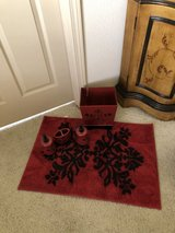 Bathroom soap, lotion, trash can, toothbrush holder, rug and matching towel. in Alamogordo, New Mexico