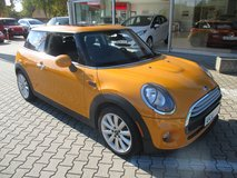 '15 Mini Cooper AUTOMATIC 8100 miles !!! in Spangdahlem, Germany