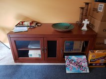 Tv stand in Westmont, Illinois
