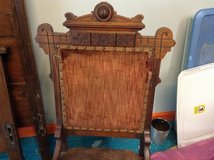 East lake walnut ladies chair in Fort Campbell, Kentucky