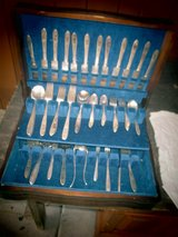 Print VINTAGE SILVERWARE BOX With Set For 12 in Yorkville, Illinois