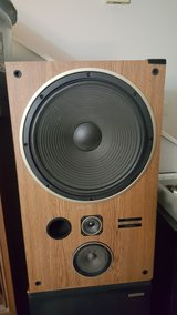 Pioneer 3way 15inch woofer in Fort Campbell, Kentucky