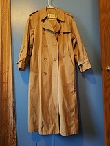 Women's London Fog To in a Pea Coat Style Size 16 r in Alamogordo, New Mexico