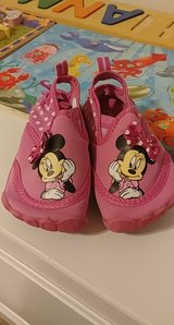 size 5-6 Minnie mouse toddler water shoes in Liberty, Texas