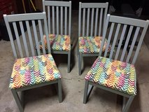 Set of 4 Sturdy Dining Room Chairs in St. Charles, Illinois
