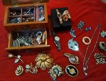 Costume Jewelry, Watches, and Rings in Clarksville, Tennessee