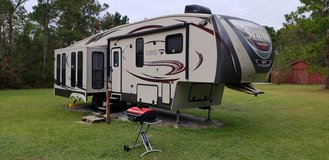 2014 Palomino Sabre 5th wheel 33CKTS RV Travel Trailer in Camp Lejeune, North Carolina