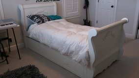 Trundle sleigh bed in Perry, Georgia