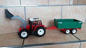 Playmobil tractor with trailer +1 figure in Spangdahlem, Germany