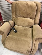 BERKLINE LIFT/ASSIT CHAIR RECLINER in Spring, Texas
