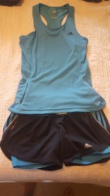 Adidas running  outfit sz md in Bolling AFB, DC