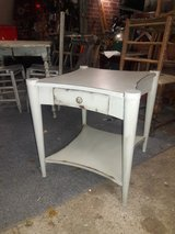 Beautiful retro shabby chic end/side table in Conroe, Texas