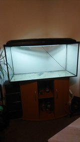 200 litres fish tank with lid and stand in Lakenheath, UK
