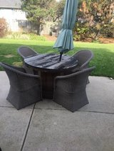 Wooden spool table in Glendale Heights, Illinois