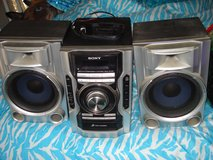 SONY 3CD Changer / Radio Stereo Mini Hi-Fi Component System in Alamogordo, New Mexico