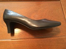 Brown Hush Puppies Soft Style Pumps Size 9M (New) in Fort Leonard Wood, Missouri