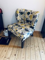 Comfy armchair in stylish pattern! in Wiesbaden, GE