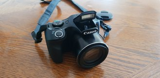 Canon powershot Camera w/extras in bookoo, US