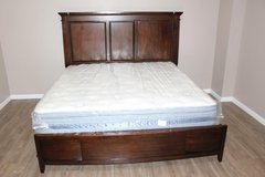 King Size Bed (Including Mattress) FREE DELIVERY in CyFair, Texas