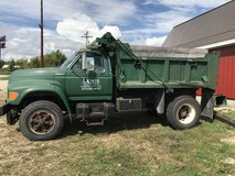 1997 Ford F800 work ready in Fort Leonard Wood, Missouri