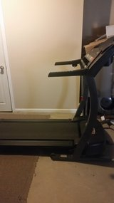 Treadmill Health rider L400 in Plainfield, Illinois